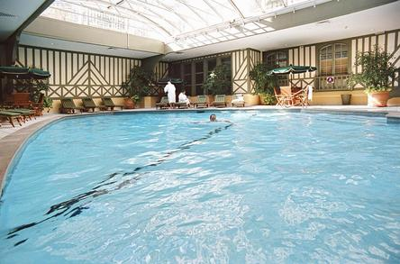 Normandy barri re deauville for Piscine deauville